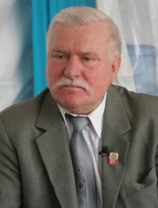 Lech-Walesa-Held-oder-Verraeter_kwi_article