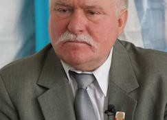 Lech-Walesa-Held-oder-Verraeter_kwi_article